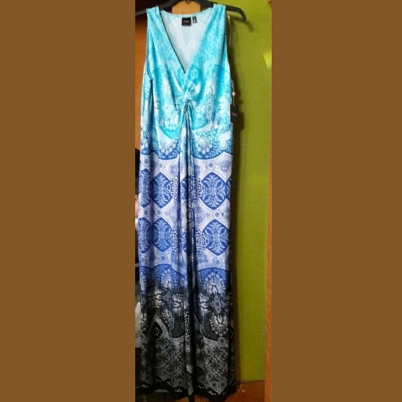 0c006d81a48 NWT Rafaella Aztec Tribal Maxi Dress Plus Size 1X NWT